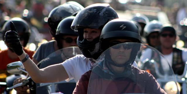 В Дубае начался фестиваль байкеров Gulf Bike Week 2015