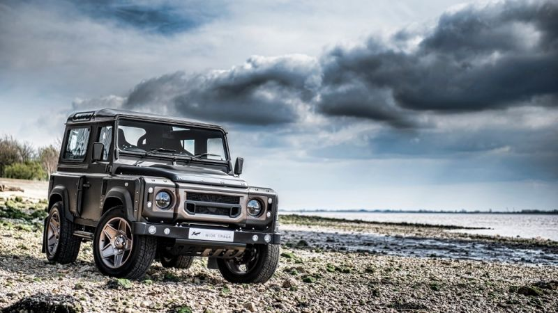 Kahn Design сделал Land Rover Defender менее скучным