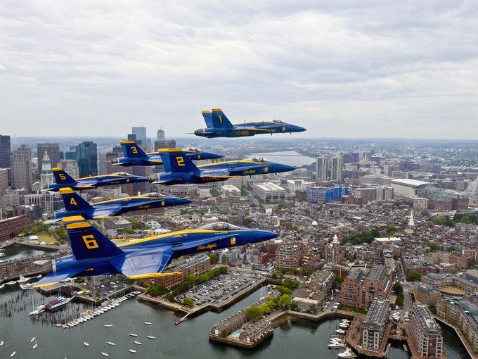 Фотогалерея выступлений пилотажной группы «Голубые ангелы»