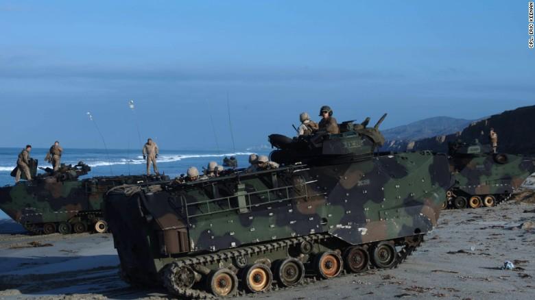 ВМФ США потратят 225 млн долларов на создание 13 прототипов БМП-амфибий