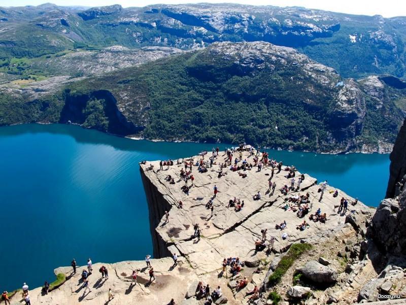 Утёс Прекестулен Норвегия