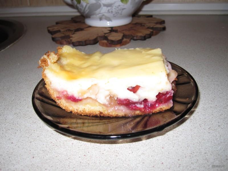 Нежный пирог с вишней и яблоками рецепт
