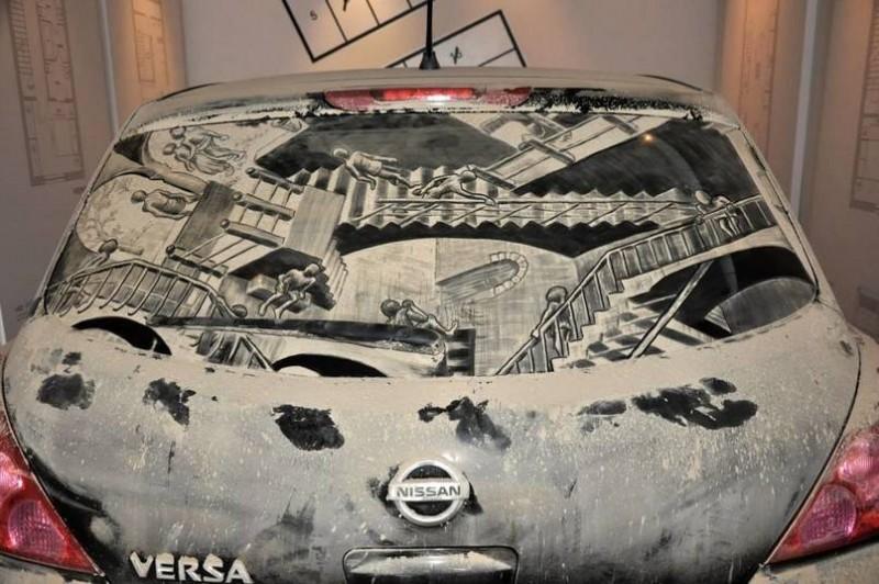 На грязных авто можно красиво рисовать