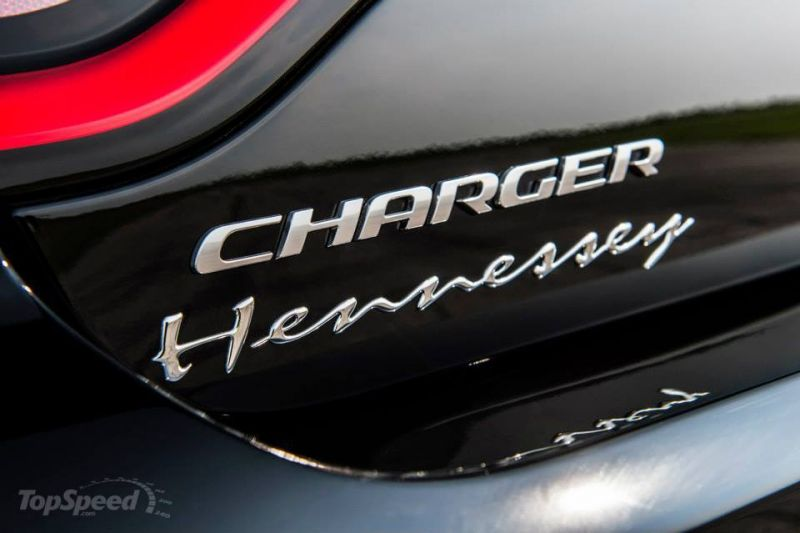 Dodge Charger SRT Hellcat HPE800: почти суперкар