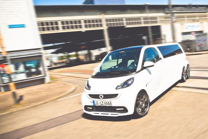 Smart ForTwo превратился в шестиколесный лимузин