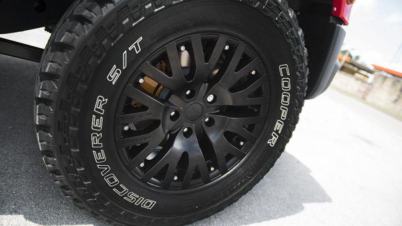 Яркий Jeep Wrangler от Kahn Design