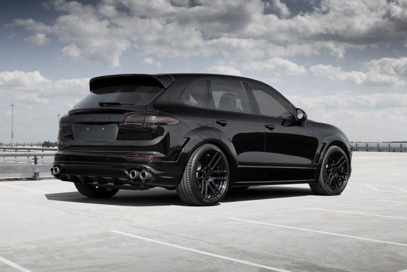 Porsche Cayenne получил новый карбоновый обвес от TOPCAR