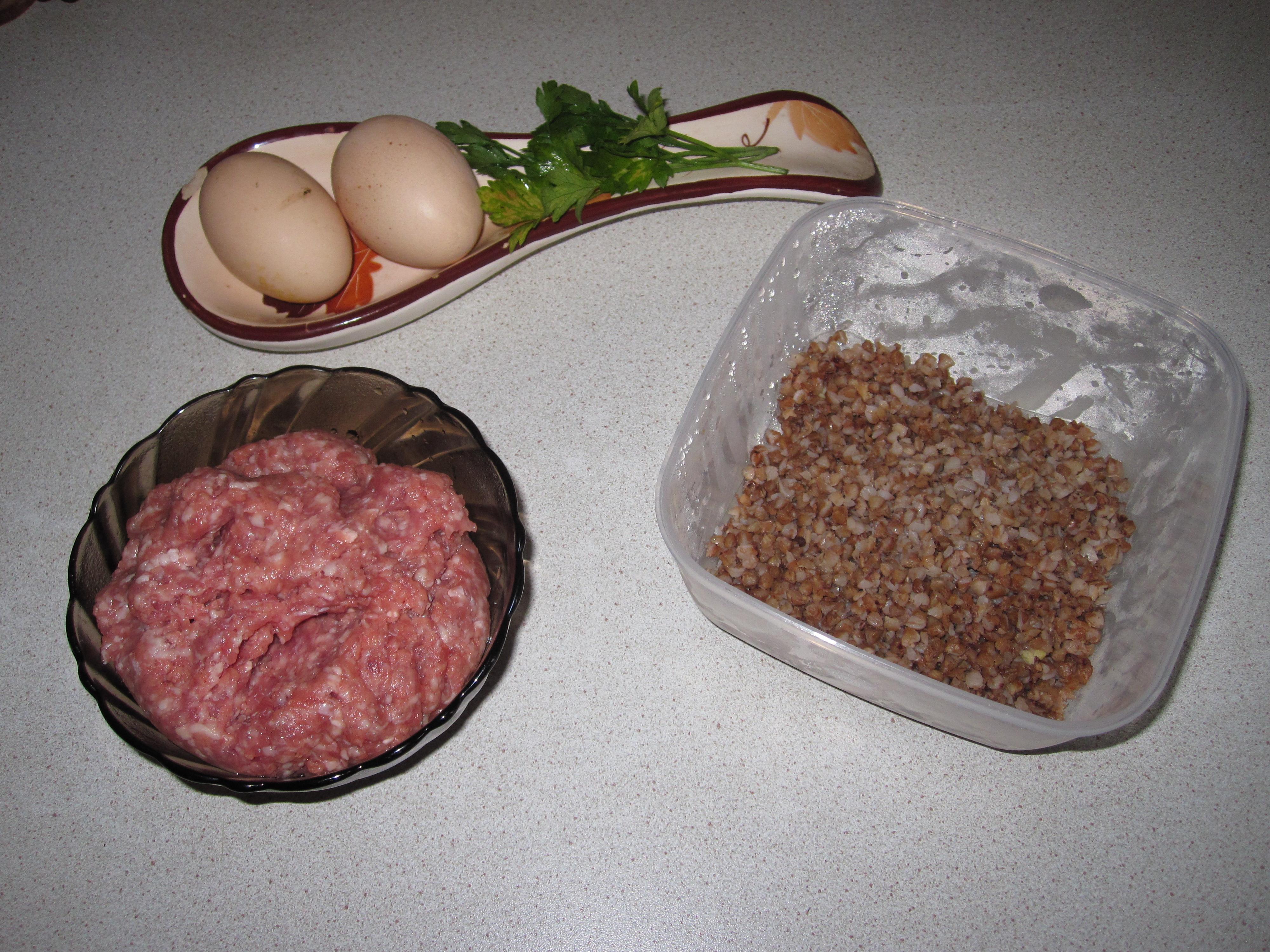 салат с фасолью с огурцом и колбасой рецепт