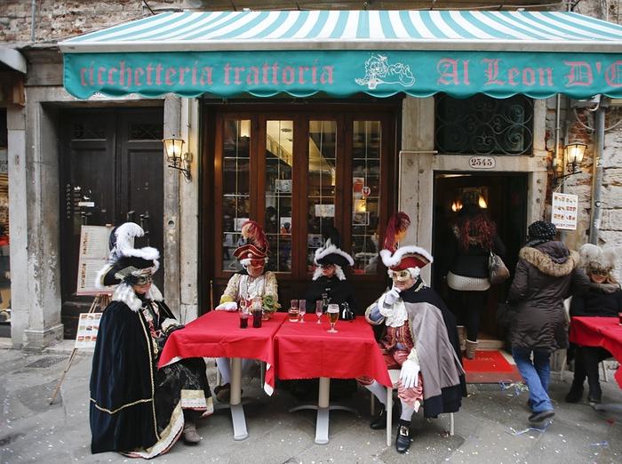 Венецианский карнавал 2016: фотогалерея открытия