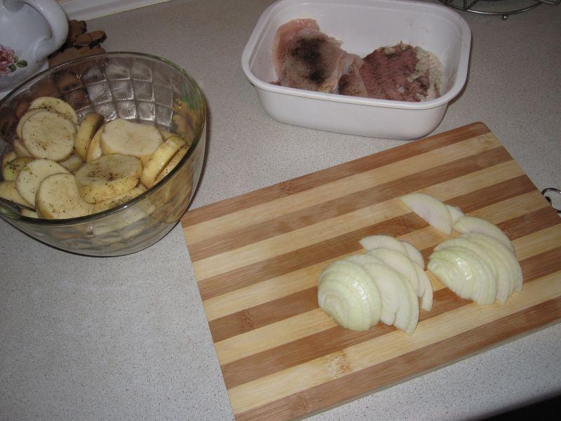 Картофель с мясом по-французски в духовке