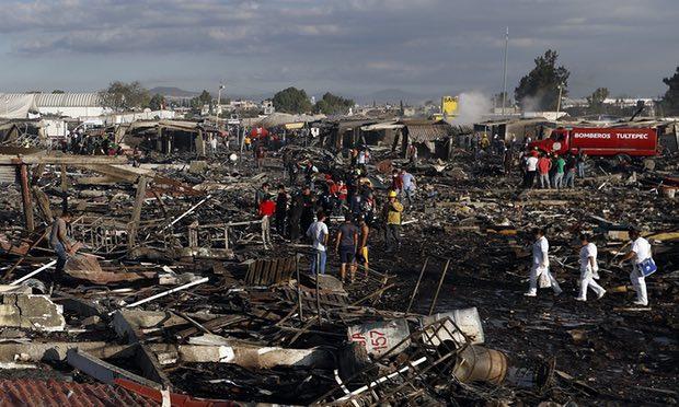 В Мехико 31 человек погиб из-за взрыва на рынке фейерверков