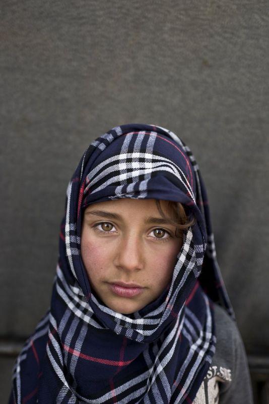 Фотограф заглянул в глаза сирийских детей