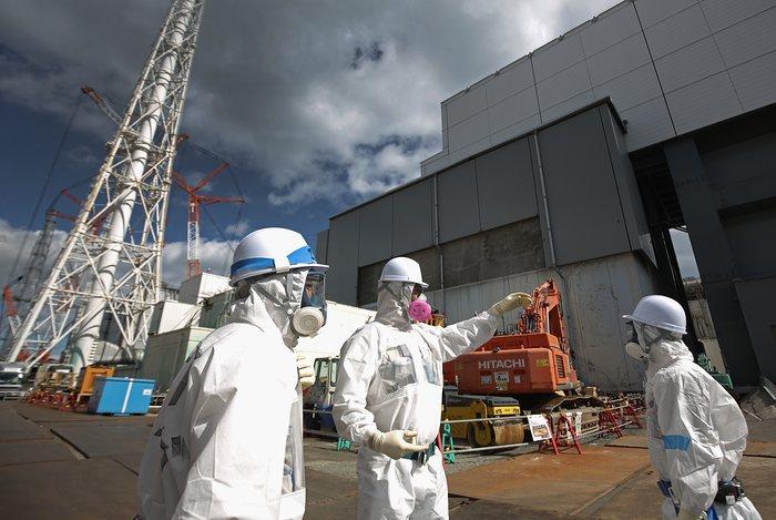 Герои Фукусимы: подборка фото работников аварийной АЭС