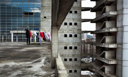 Как живут люди в трущобах крупнейших мегаполисов мира