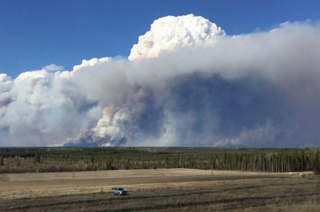 Последствия пожара в городе Форт МакМюррей