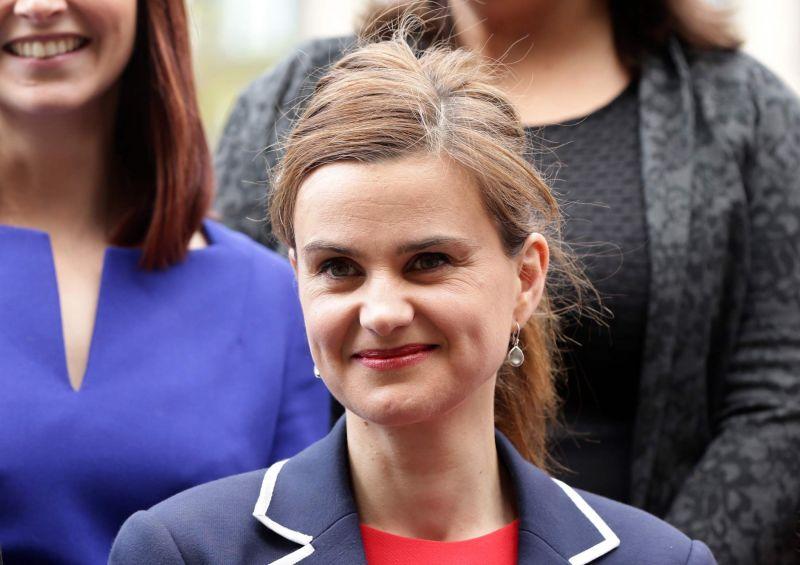 После покушения на депутата от лейбористов приостановлена агитация за и против выхода Великобритании из ЕС