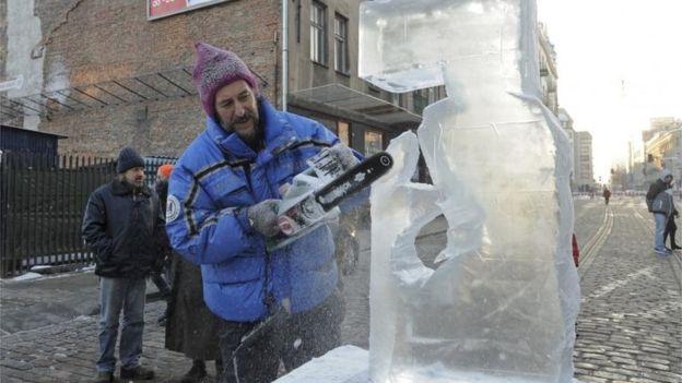 В Европе как минимум 20 человек замерзли насмерть из-за непогоды