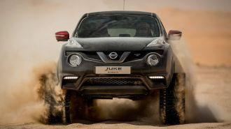 Nissan Juke Nismo RS на гусеничном ходу покатался по арабской пустыне