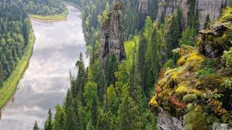 Чертов палец – каменный столб в Пермском крае на реке Усьва