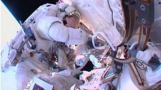 НАСА экстренно прекратило выход астронавтов в открытый космос