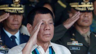 Президент Филиппин Дутерте сбрасывал людей с вертолета