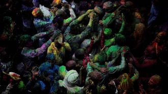 В Индии прошел ежегодный фестиваль весны