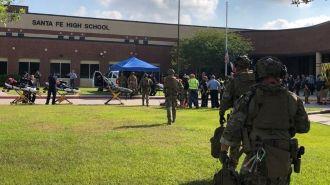 От 8 до 10 человек погибли в результате стрельбы в школе в Техасе