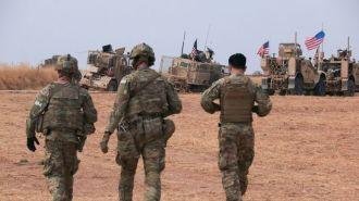 Жители Сирии забросали овощами американский военный конвой