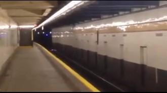 Вандал спровоцировал электрический взрыв в метро (Нью-Йорк)