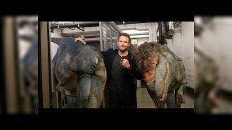 Розыгрыш Криса Прэтта (Мир Юрского периода) динозавром
