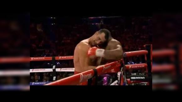 Иногда боксеры бьют сами себя: подборка самоапперкотов